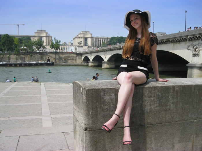 fashion blogger paris seine sunny floppy hat