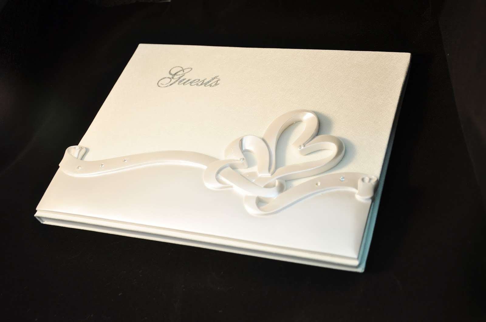 Wedding Gift Ideas For Guests Malaysia : GED9035 Double Heart Sculptured Guestbook