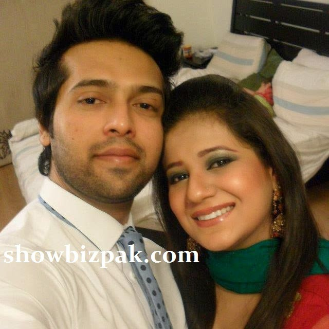 fahad mustafa with his beautiful wife and daughter unseen