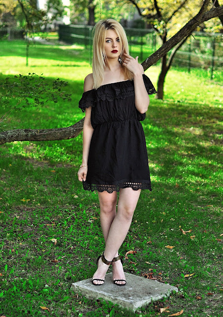 http://www.cndirect.com/high-quality-stylish-lady-womens-new-fashion-sexy-off-shoulder-lacy-mini-dress.html?utm_source=lb&utm_medium=cpc&utm_campaign=WFFlb37