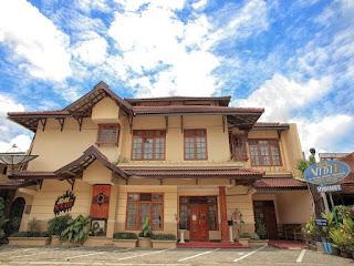 Nama Hotel Vidi 1 Tarif Kisaran Mulai Dari IDR 215909 Alamat Jalan Kaliurang KM 45 Gang Ladrang No 3 Gadjah Mada University