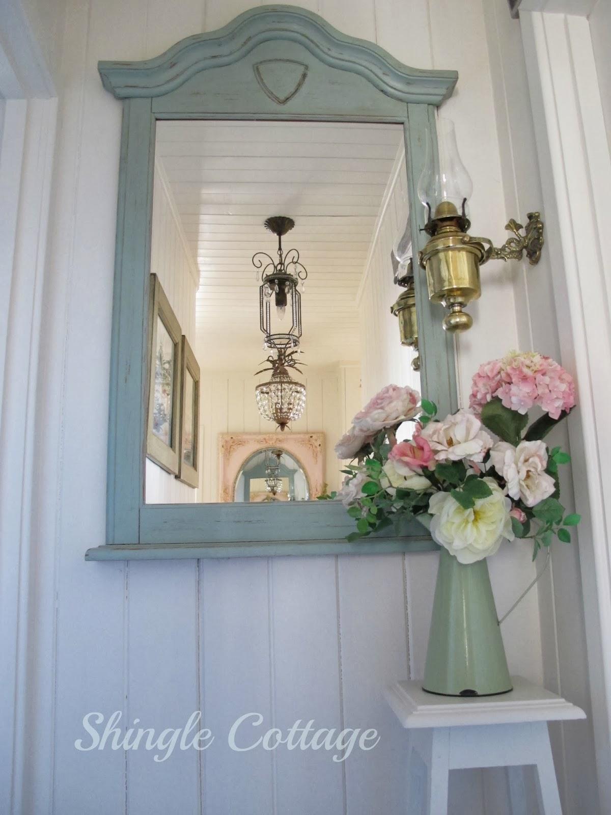 Shingle cottage little cottage hallway - Country cottage hallways ...