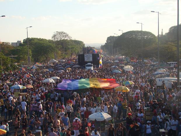 Na 15ª edição, Parada reuniu cerca de 40 mil pessoas segunda a organização.