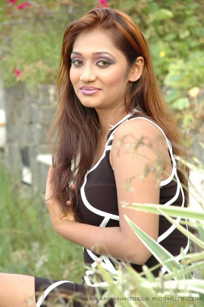 Upeksha Swarnamali hot models