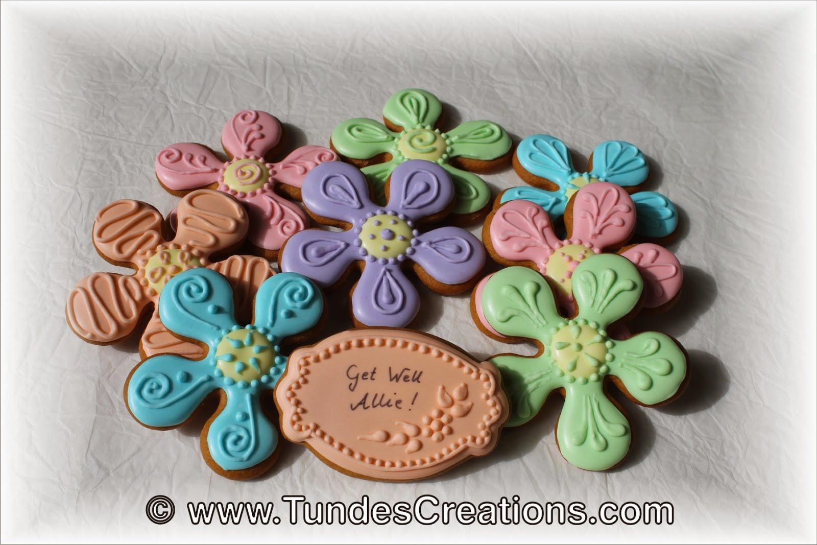 Flower cookies in spring colors