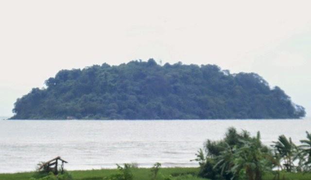 gambar pulau mandalika 2