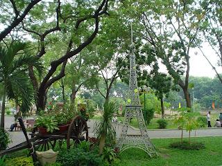 Torre Eiffel Hoang Van Thu Park. Ho Chi Minh (Vietnã)