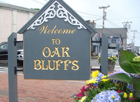 oak bluffs guys Cover your body with amazing oak bluffs t-shirts from zazzle search for your new favorite shirt from thousands of great designs.