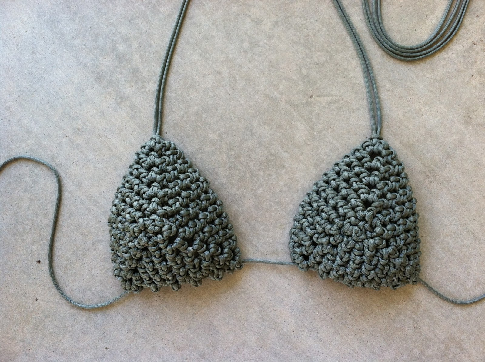 Wearartbyjulie bikini top in 550 paracord for What can you make out of paracord