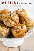 Muffiny z borówkami i białą czekoladą