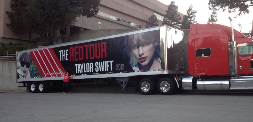 The gallery for --> Taylor Swift Tour Bus Inside