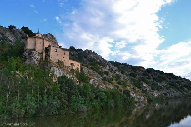 Ermita de San Saturio en Soria, España. Por Viaja et verba