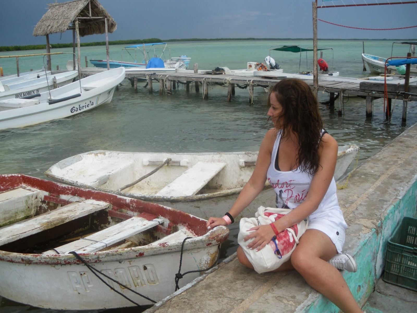 rio lagartos yucatan mexico pueblo