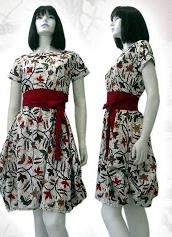 baju-batik-wanita-feminim