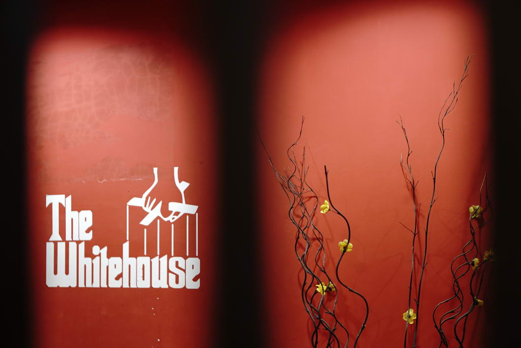 Hasil gambar untuk white house cafe wonosobo