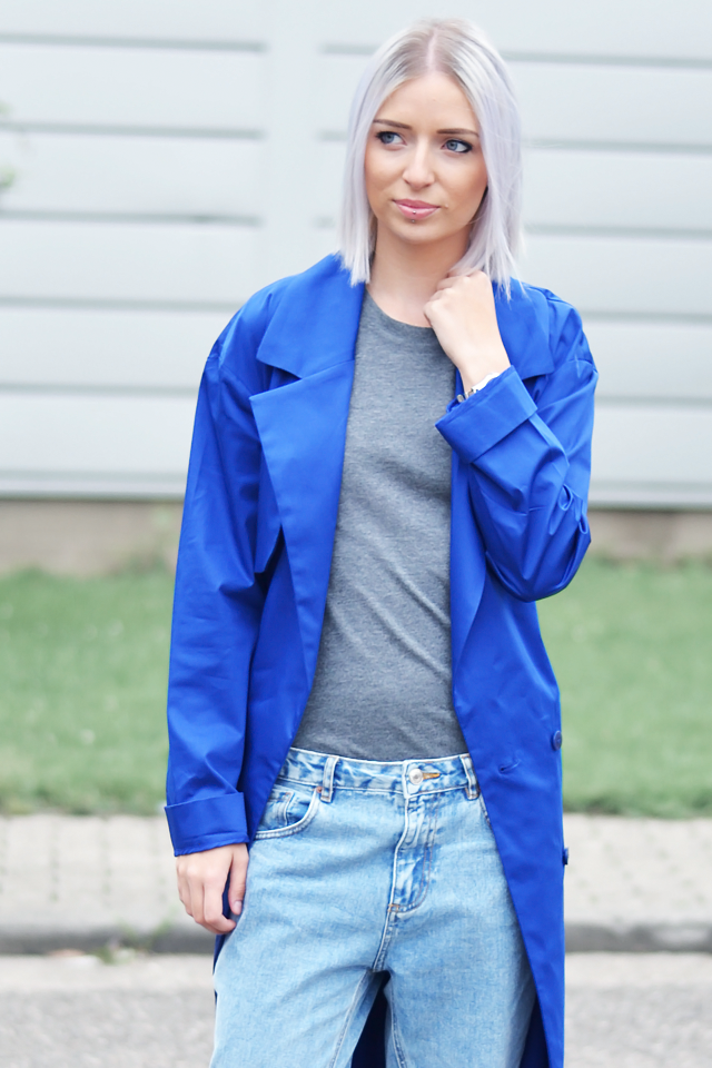 Turn it inside out // Cobalt blue coat
