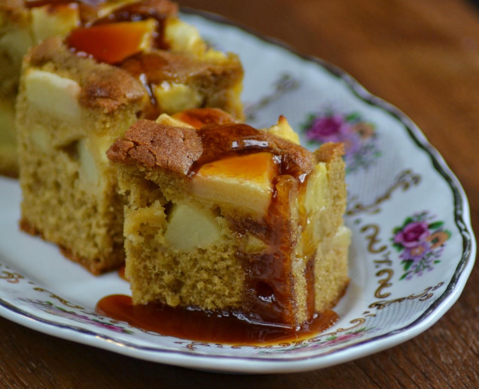 Appel ananas cake met caramel