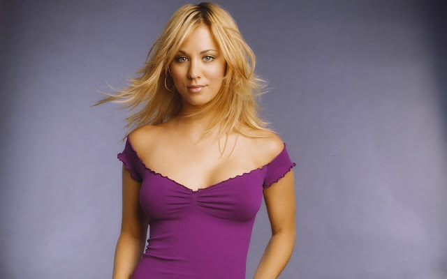 Kaley Cuoco Celebrity Wallpaper