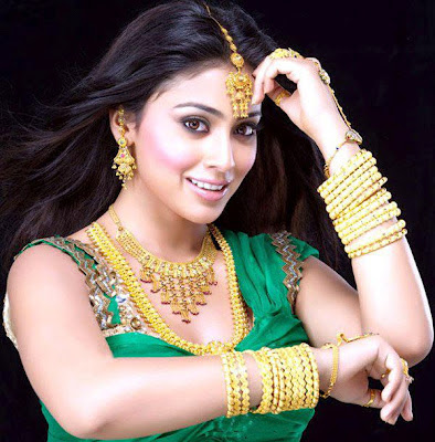 Shreya with Jewellery