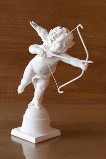 Liefdesgod Amor van Thomas Bruns; op deze tentoonstelling