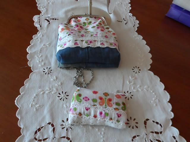 Conjunto de bolso y monedero realizado a mano