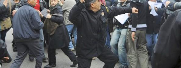 Plus de 50 journalistes agressés en un seul mois!
