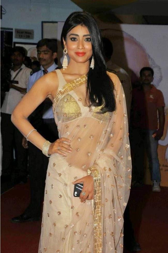 Shriya Saran at Manam Premiere
