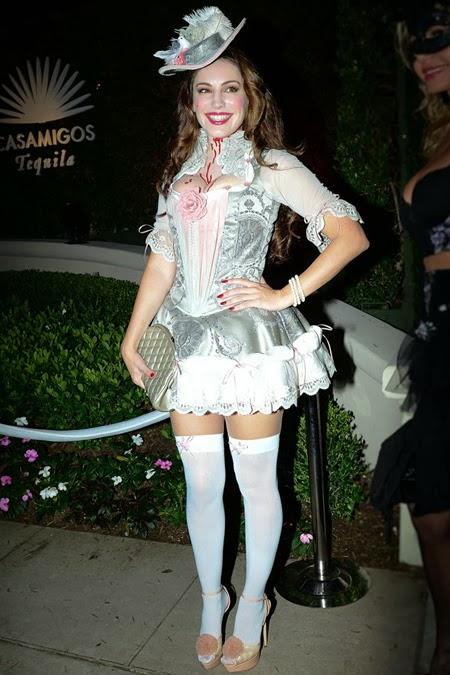 Кели Брук костюм за Хелоуин Мария Антоанета