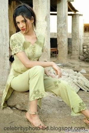 Mahnoor+baloch+hot+model005