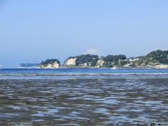 由比ヶ浜と霊山