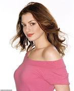 Anne Hathaway pink