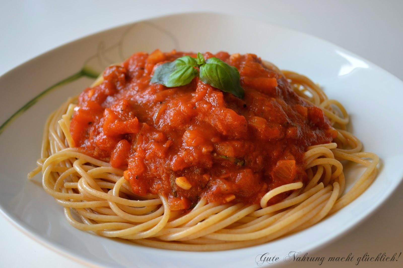 gute nahrung macht gl cklich spaghetti mit tomatensauce. Black Bedroom Furniture Sets. Home Design Ideas