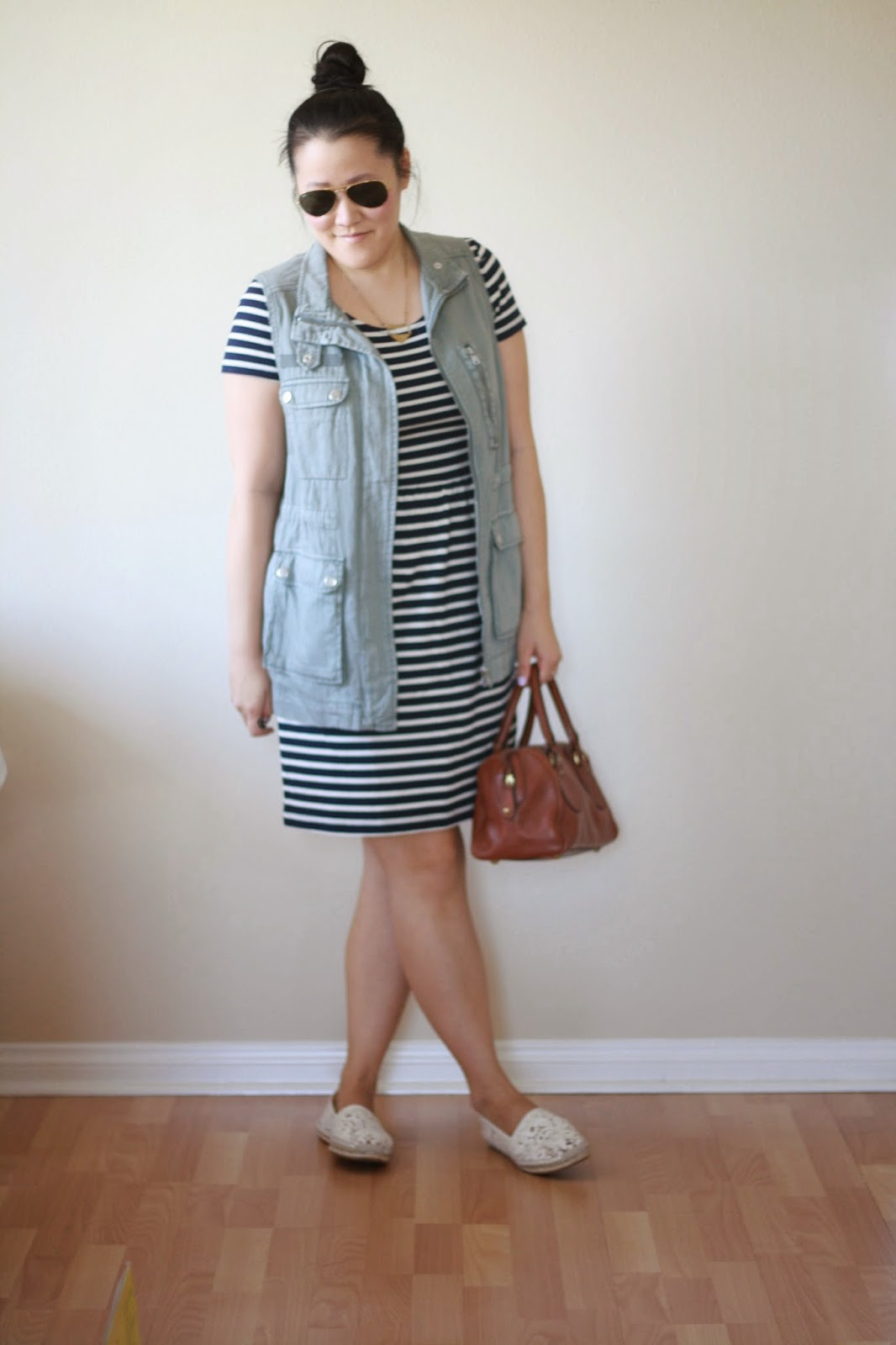 blogger, style blogger, fashion blogger, preppy blogger, ootd, cargo vest, utility vest