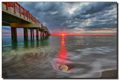 SUNSET IN DANIA BEACH PIER, FLORIDA