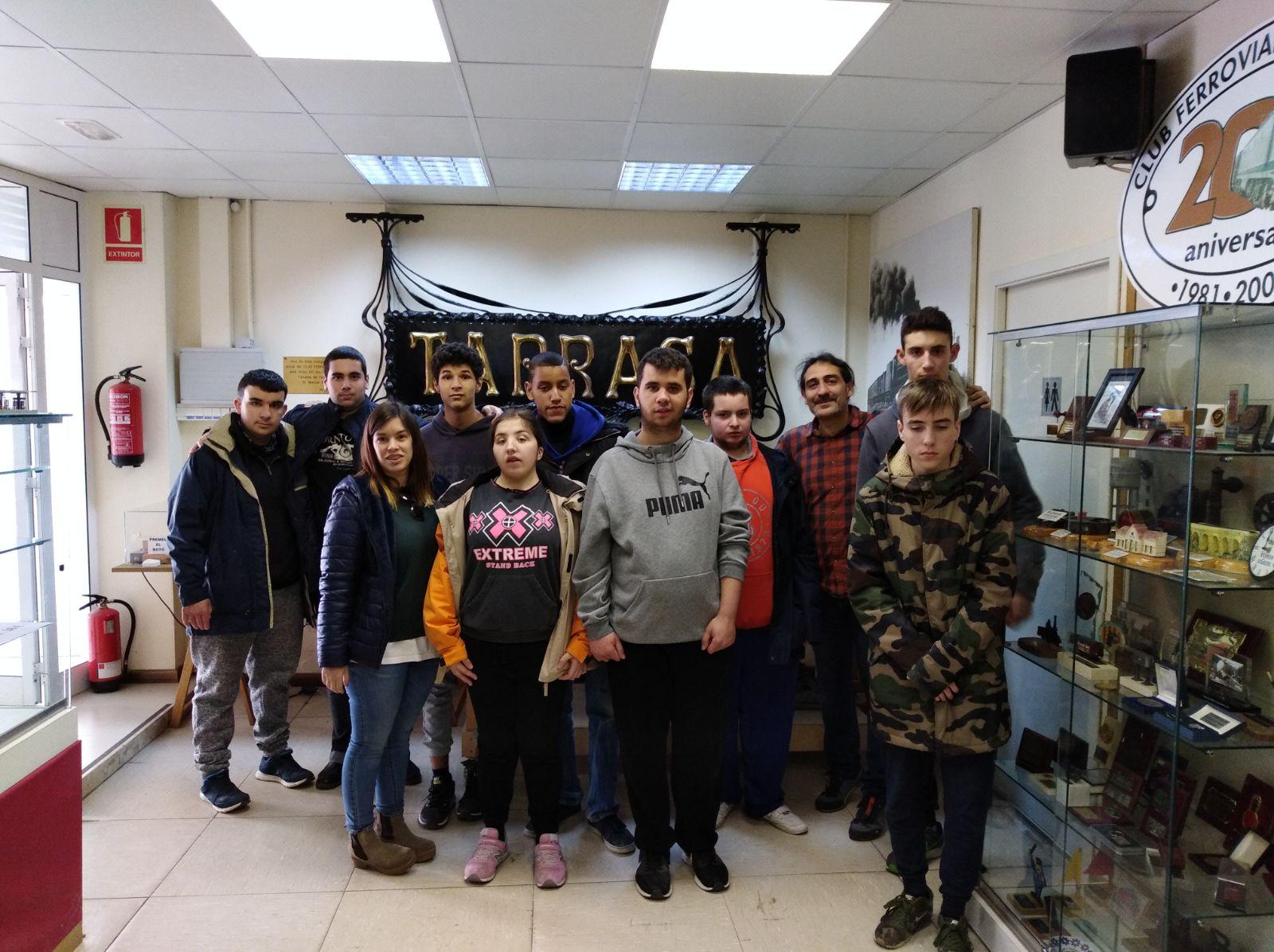 Visita d'alumnes de l'Escola l'Heura de Terrassa a la seu social del Club Ferroviari de Terrassa