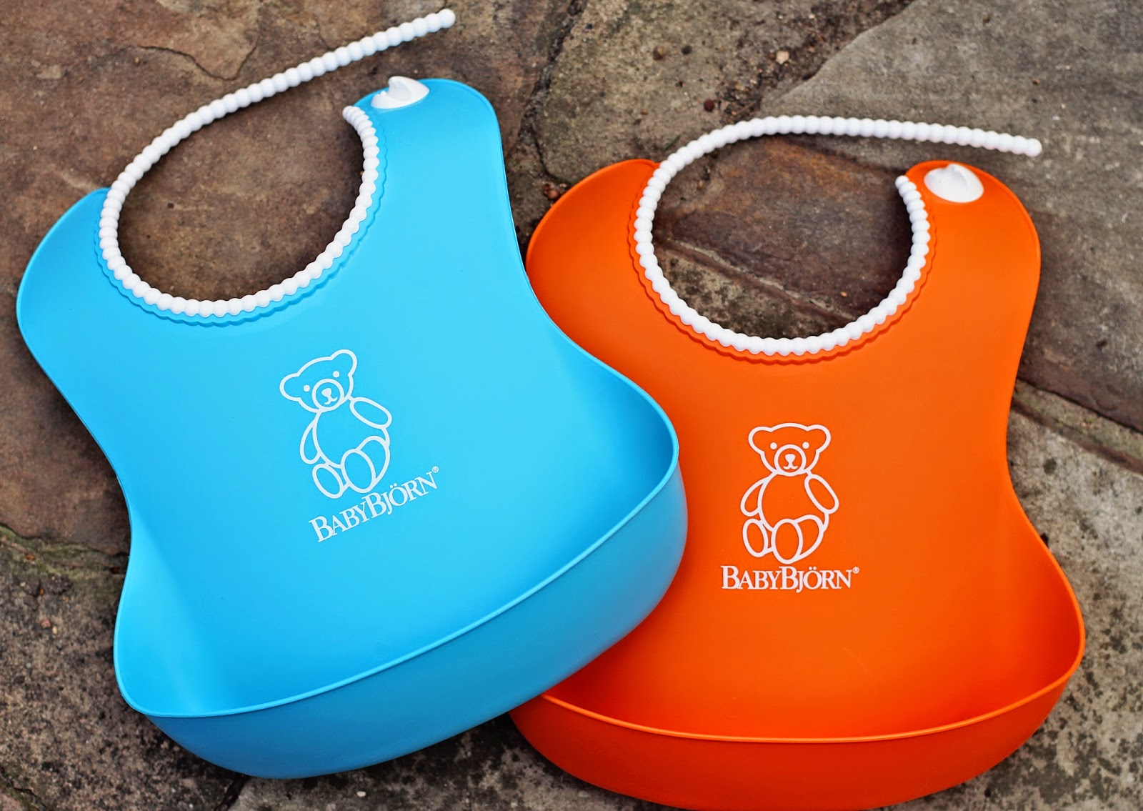3342424c23a We received a package of 2 plastic bibs and 2 plate spoon combo sets