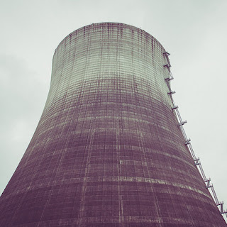 Image of a cooling tower at the abandoned Satsop Nuclear plant. Image by Tony Webster