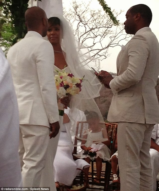 Wedding Pictures - Kelly Rowland and Tim Witherspoon Get ...  Kelly