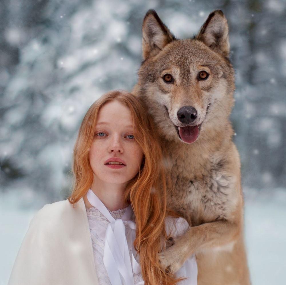 Портреты девушек с дикими животными