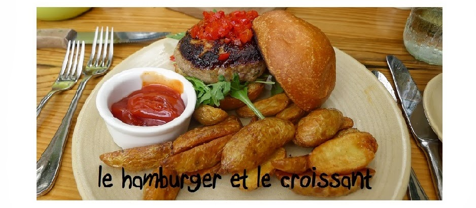 le hamburger et le croissant