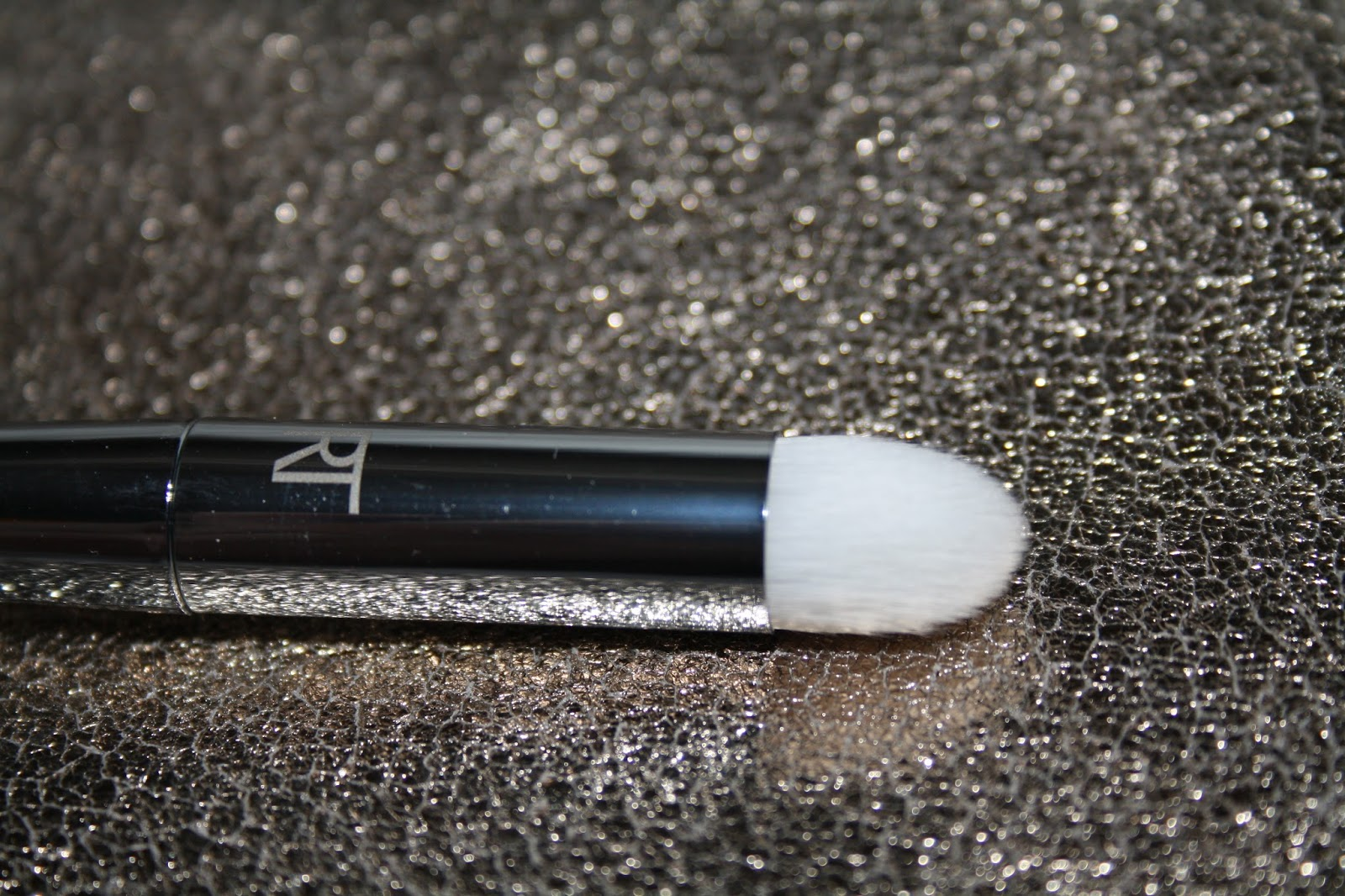 200 Oval Shadow brush