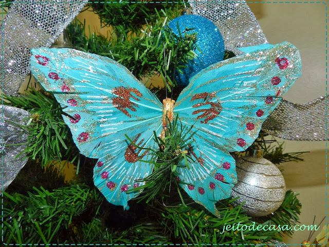 decoracao de arvore de natal azul e dourado : decoracao de arvore de natal azul e dourado:Árvore de natal prata e azul – Jeito de Casa – Blog de Decoração