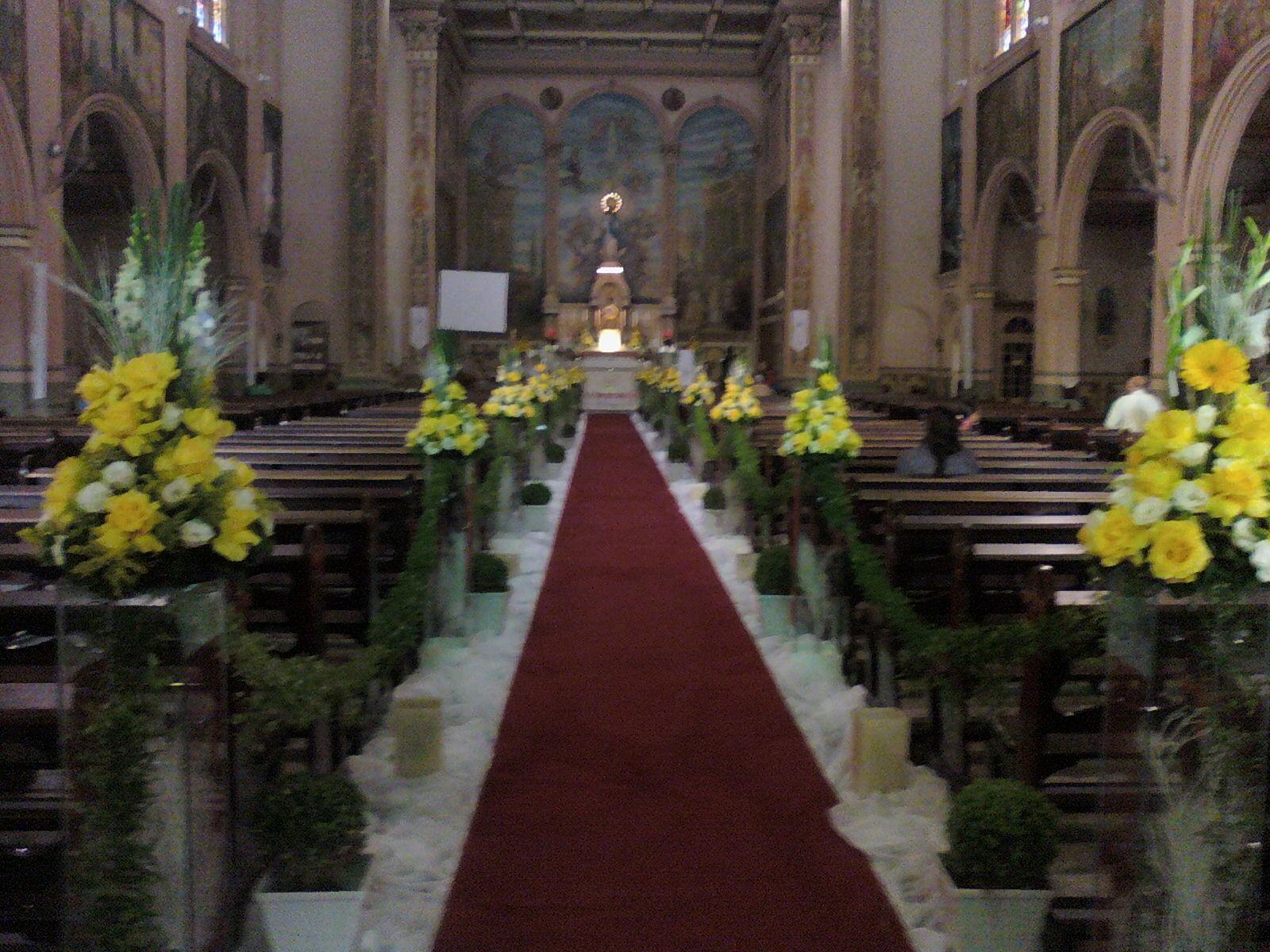 decoracao de casamento na igreja azul e amarelo:Mas pesquisei algumas imagens para vocês terem uma idéia!