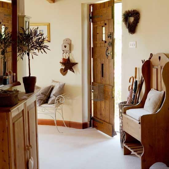 New home interior design country hallway - Decoracion de hall ...