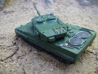 modelo en miniatura del carro de combate del Bundeswehr Leopard-2
