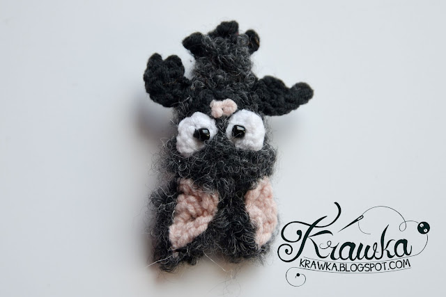 Krawka: Grey crochet bat - extremly cute but deadly :)