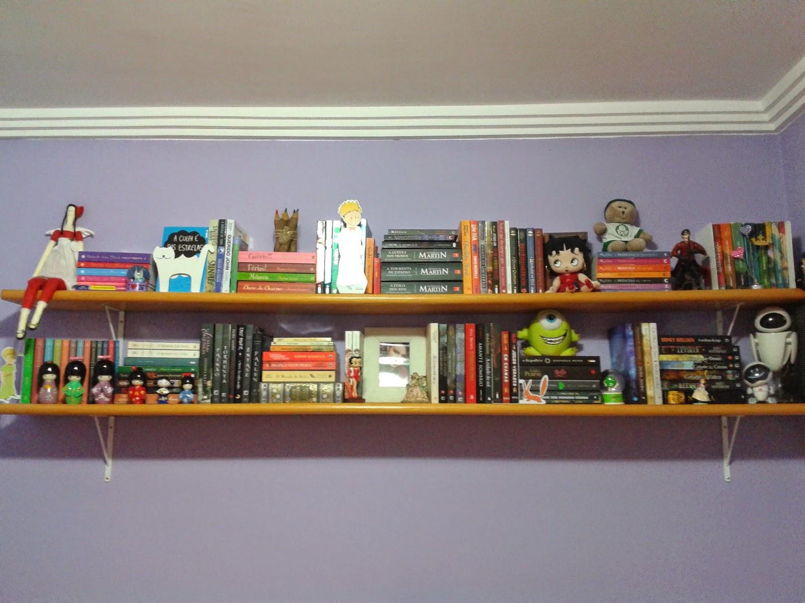Coloquei os livros com os títulos virados para fora com isso fica  #A66D25 1600x1200