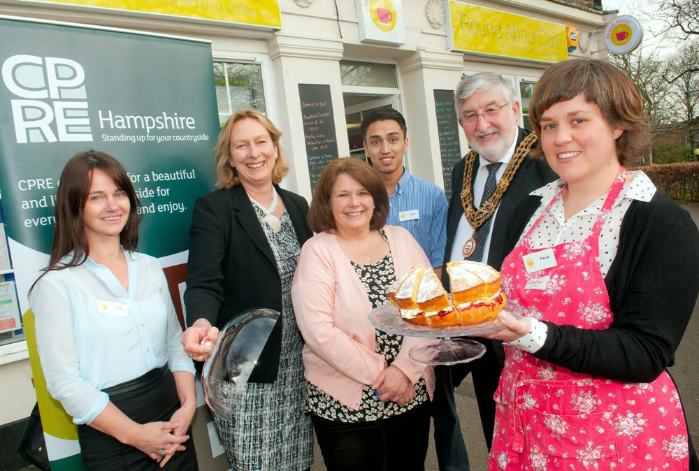 Dee Haas of CPRE Hampshire, the Right Worshipful the Mayor of Southampton, Ivan White, with staff from Radian and the Round About Cafe.