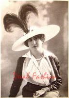 Profil Coco Chanel (Desainer Elegan Sepanjang Masa)