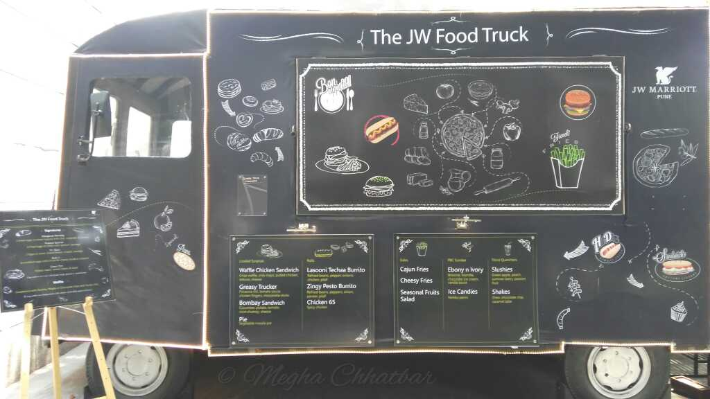 fit foodie megha jw marriott food truck breakfast on wheels reviewed. Black Bedroom Furniture Sets. Home Design Ideas